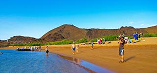 playa espumilla galapagos islands