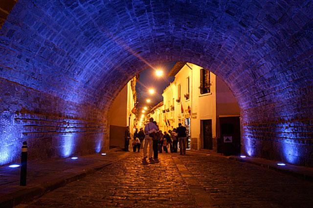 Quito tours at night