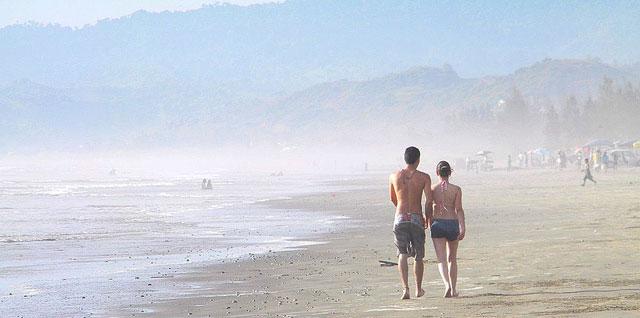 beaches in ecuador