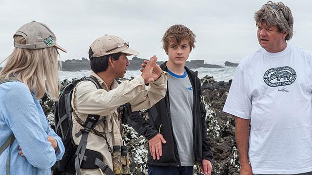 galapagos islands tour guides