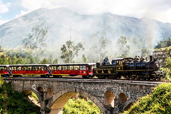 cruise-train-ecuador