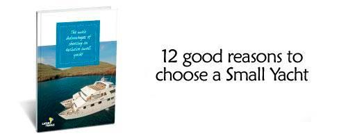 small-yachts-in-galapagos