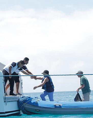 Small vs big Galapagos Cruise