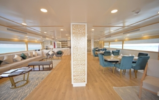 Sea Star lounge and dining area | Galapagos cruise