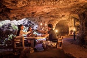 D'Cave restaurant