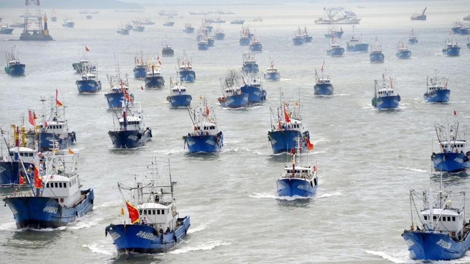 Chinese Ships | Galapagos Islands